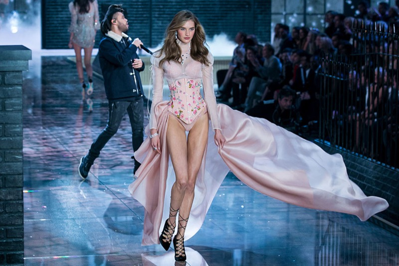 3e86e9539d8 Model Sanne Vloet walks the runway while The Weeknd performs on an L- Acoustics K2