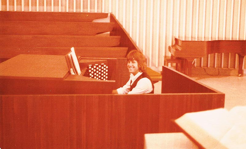 Keith Emerson plays the Wedding March on the church organ for Boomer and Susann