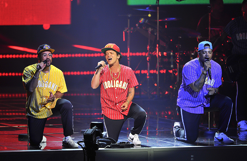 Bruno Mars 24K Magic Tour photo by Steve Jennings