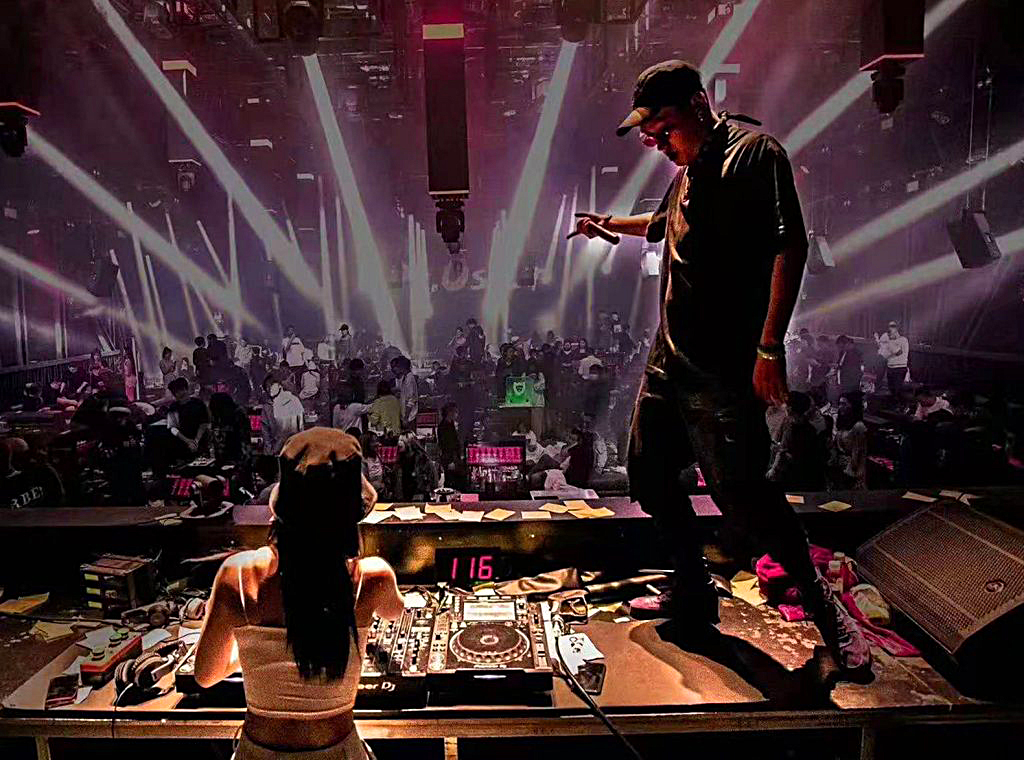 The party is always happening at Dr. Oscar Club in Ningbo, China