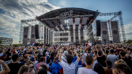 The customisable nature of the Vero system delivered a number of advantages that proved particularly useful on Electrobeach's Main Stage.