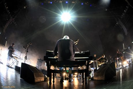 Celebrated Italian classically influenced composer Ludovico Einaudi on tour in Germany with an L-Acoustics system supplied by satis&fy (c) Lucien Götz)