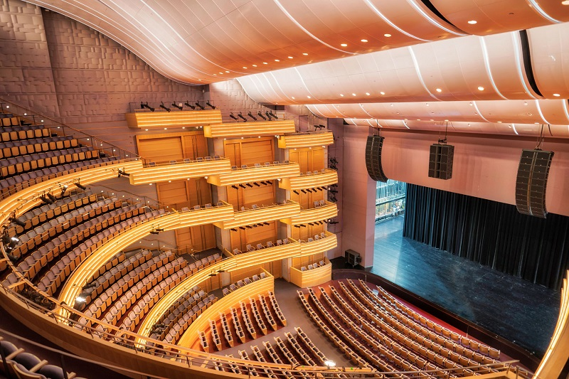 Overture Hall, the largest venue at Madison, Wisconsin's Overture Center for the Arts, is now home to an L-Acoustics K2 loudspeaker system (c) Jay Baumgardner