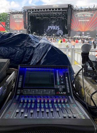 Powered by the Allen & Heath XCVI processing core, all dLive Digital Mixing System configurations operate at 96kHz with variable bit-depth and a 96-bit accumulator for pristine audio quality and virtually infinite mix headroom.
