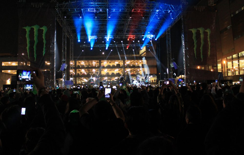 Papa Roach and Good Charlotte rock Mexico City with Vero