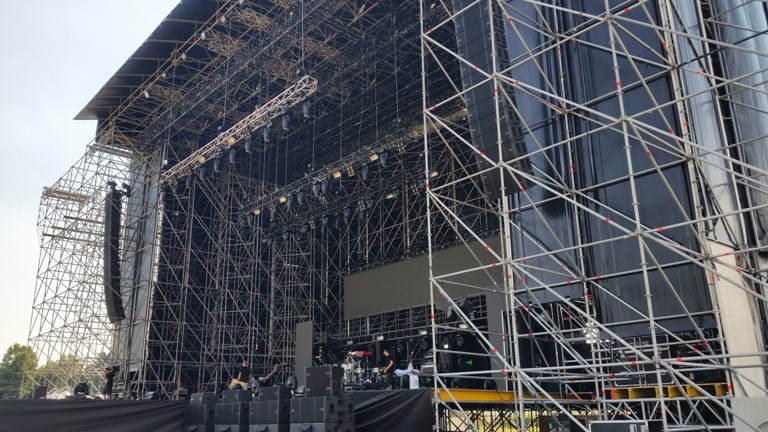 This photo from a Caparezza Performance in Milan, Italy shows an L212 array like the one planned for LDI