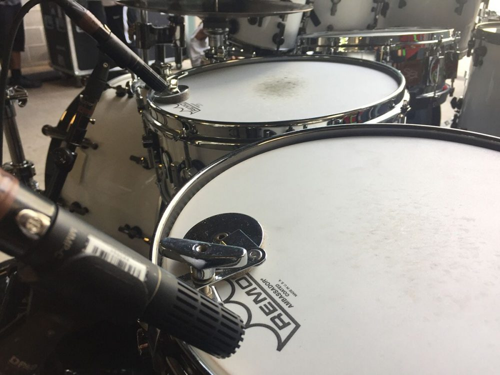 For Smith's kit, Meaux utilizes six DPA d:vote™ 4099 Instrument Microphones for all of the toms and d:dicate™ 2011Twin Diaphragm Cardioid Microphones on all three snare drums and on the bottom of the base snare
