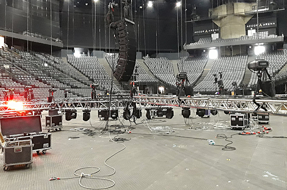 Setup in the Accor Hotel Arena, which has a 7,000 to 20,300 persons, depending on the event
