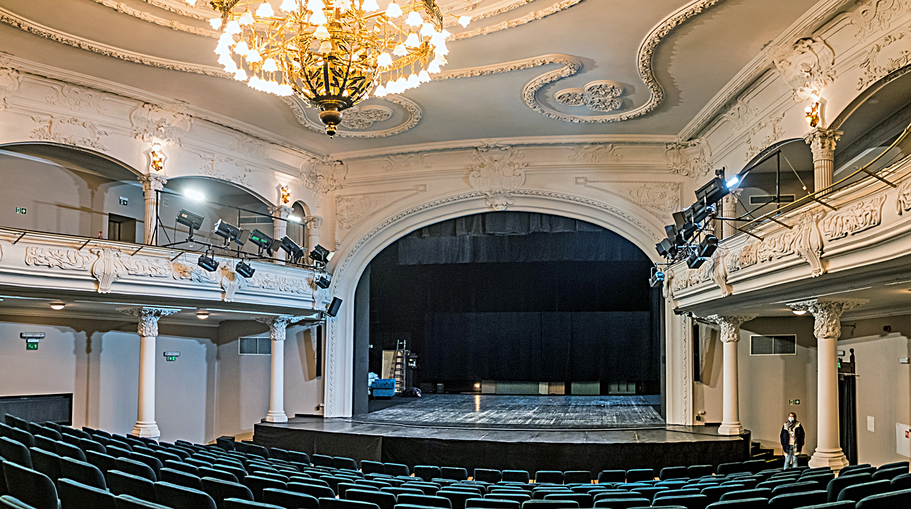The Teatr Nowy in Zabrze, Poland is one of many successful recent projects from Tommex, CODA's Polish distributor.